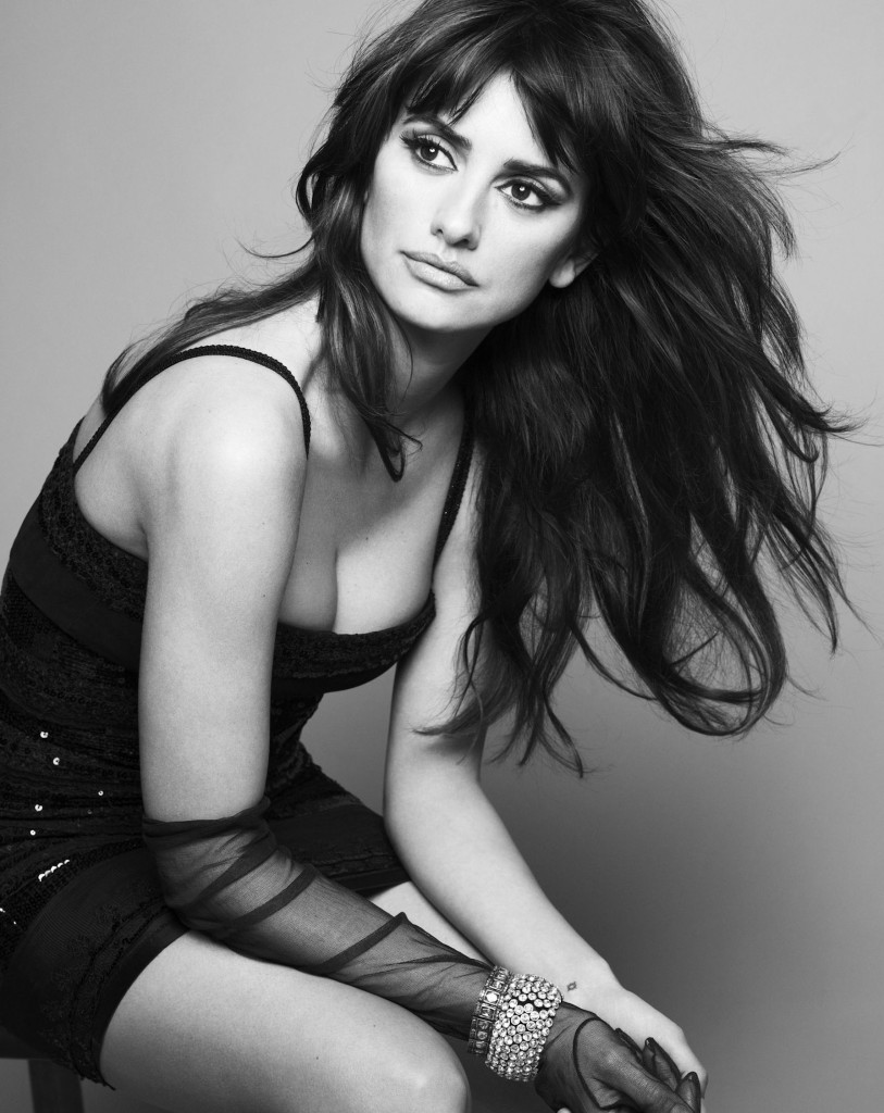 Sexy_Penelope_Cruz_Mango_wallpapers_2116_x_2750_pictures_pack_2009-6.jpg_Cruz_Penelope_Mango_Ads_007-813x1024